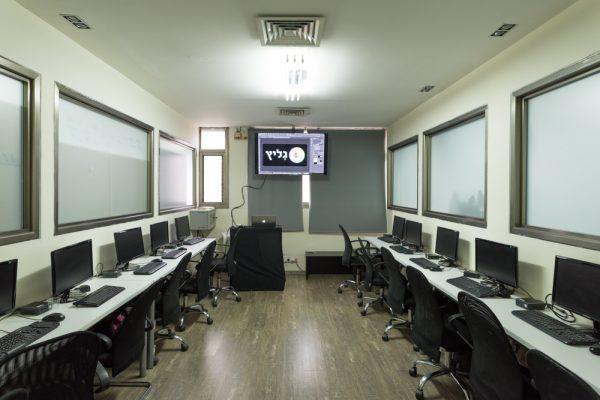 חדר מחשבים